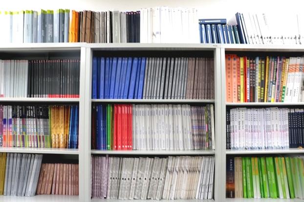 約3000品番のカラーカードと素材収集